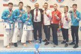 Genc Kata Madalya Karateciler