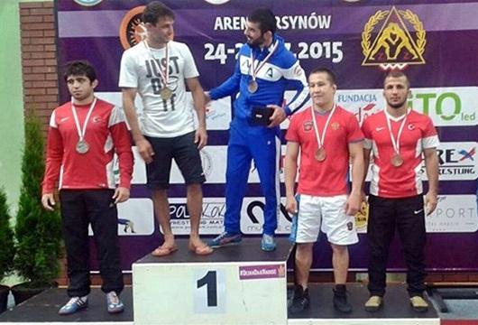 Güreşte 8 Madalya