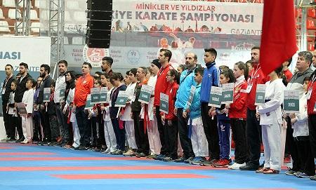 Minikler ve Yıldızlar Türkiye Karate Şampiyonası Start Aldı