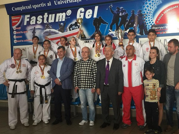 KKTC Taekwondo Milli Takımı 6. Voıevod'da  2 Kupa, 32 Madalya Kazandı