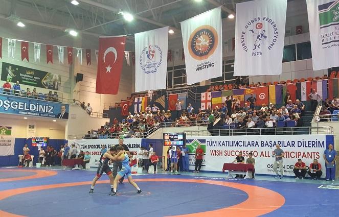 46. Düzenlenen Uluslararası Yaşar Doğu Güreş Turnuvası'nda 2. Gün