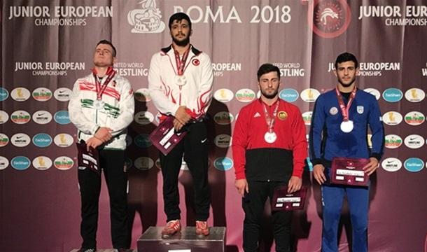 Avrupa Gençler Güreş Şampiyonası'nda 13 madalya