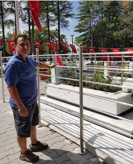 SİYAHKUŞAK Web'den Şehit Ömer Halisdemir'in Kabrine Ziyaret…