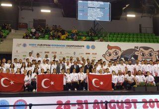 Dr. Mehmet Muharrem Kasapoğlu, Boks Milli Takımı'nı Yayımladığı Mesajla Tebrik Etti
