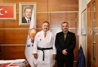 AK Parti Genel Başkan Yardımcısı Mehmet Özhaseki'ye Siyahkuşak!