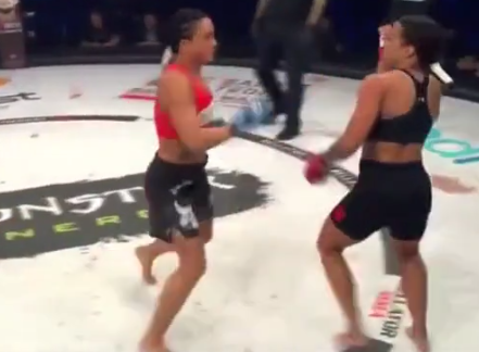 Sabriye Şengül İlk MMA Maçında Nakavt Oldu