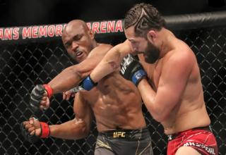 UFC 261'de Kamaru Usman, Jorge Masvidal'ı Nakavt Etti